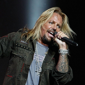 Vince Neil apre uno strip club
