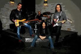 Danger Zone: in USA per registrare le parti vocali del nuovo album