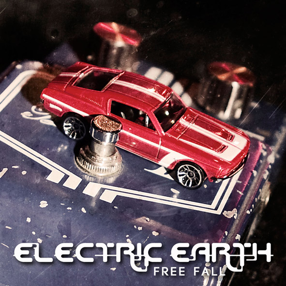 Gli Electric Earth registrano con Beau Hill