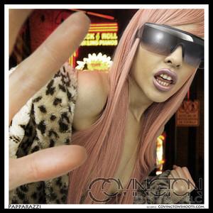 Il chitarrista dei King Kobra suona Lady Gaga