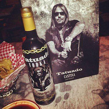 Tatuado, la vodka di Vince Neil
