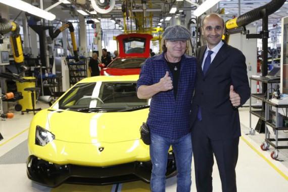 Brian Johnson degli AC/DC in Lamborghini