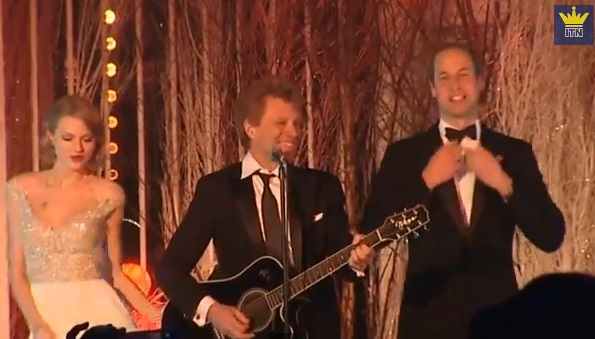"Il Principe William canta ""Livin' On A Prayer"" con Taylor Swift e Jon Bon Jovi"