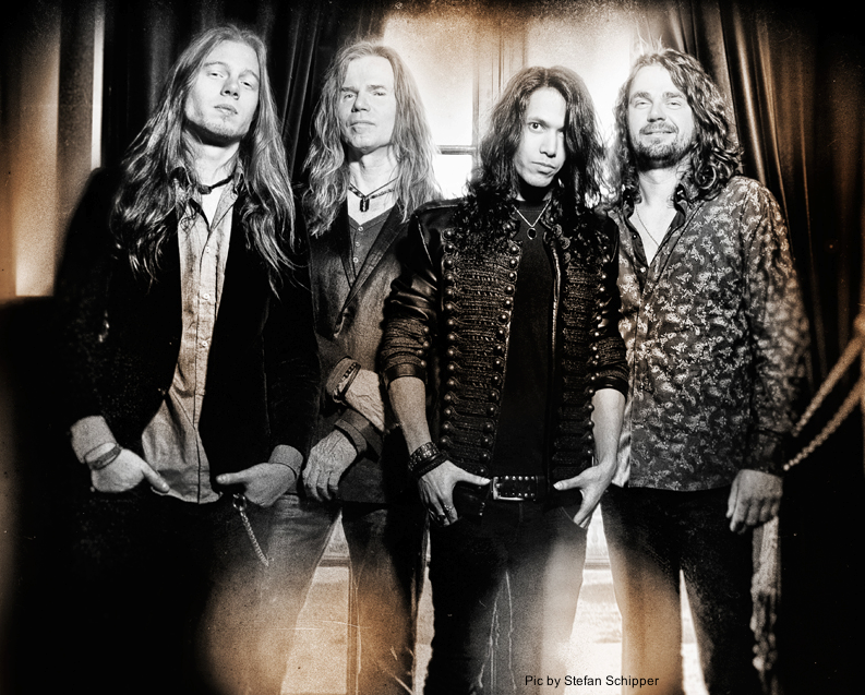 "Vandenberg's MoonKings: video di ""Breathing"""
