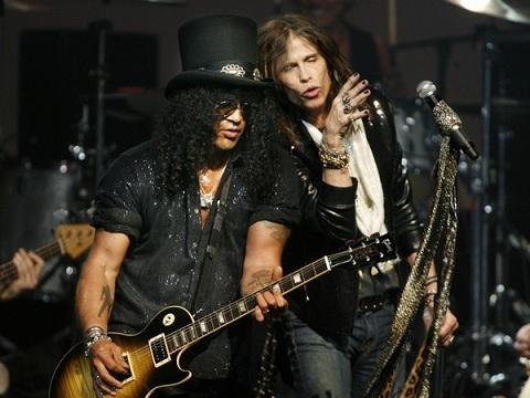 Slash e Aerosmith insieme sul palco