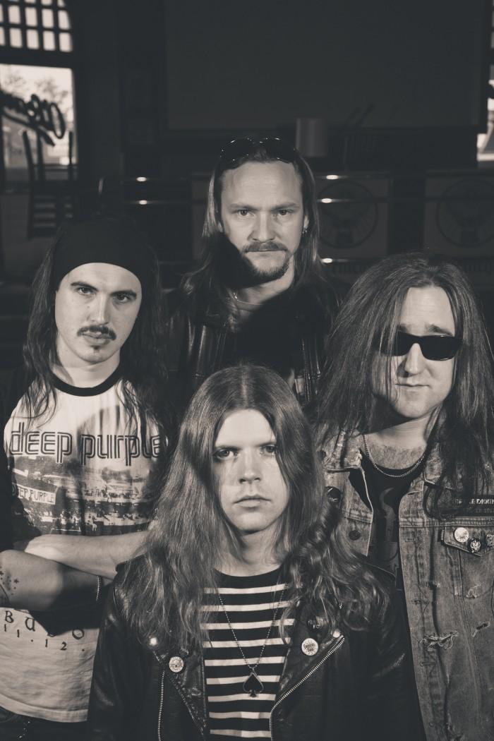 Heart Of Steel Records è orgogliosa di annunciare il debut album dei Carnival Sun
