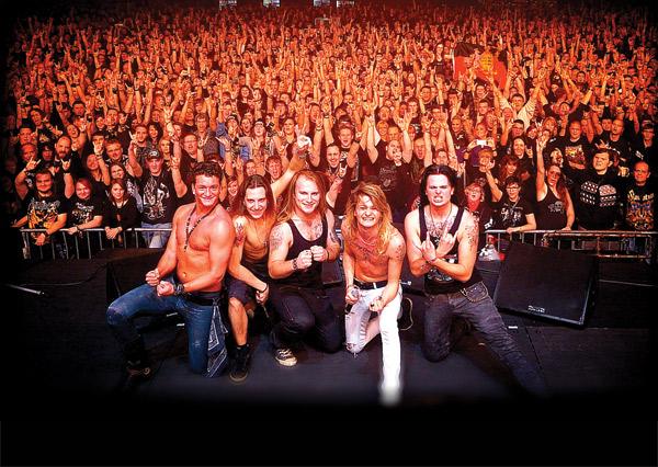 """Kissin' Dynamite: la Sleaze Metal Rock band tedesca arriva a Milano il prossimo novembre per presentare il nuovo disco """"Megalomania"""""""