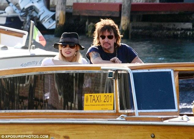 Richie Sambora e Orianthi in vacanza a Venezia