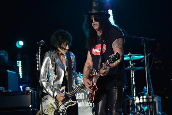 Slash e Joan Jett insieme sul palco