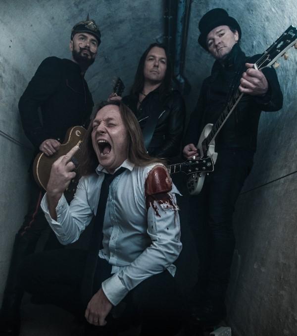 """D-A-D: i fratelli Binzer e gli Electric Guitars pubblicano il video di """"Headless Chicken"""""""