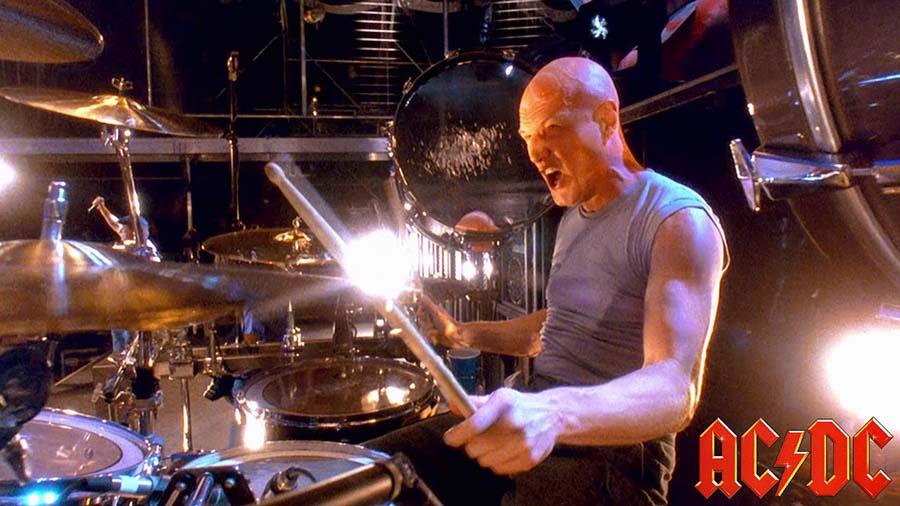 Torna in Italia Chris Slade, il leggendario batterista degli AC/DC!