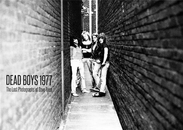 Dead Boys: fuori un libro fotografico
