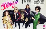 Darkness: in uscita il 15 giugno il primo album dal vivo Live at Hammersmith. La band in Italia ad agosto
