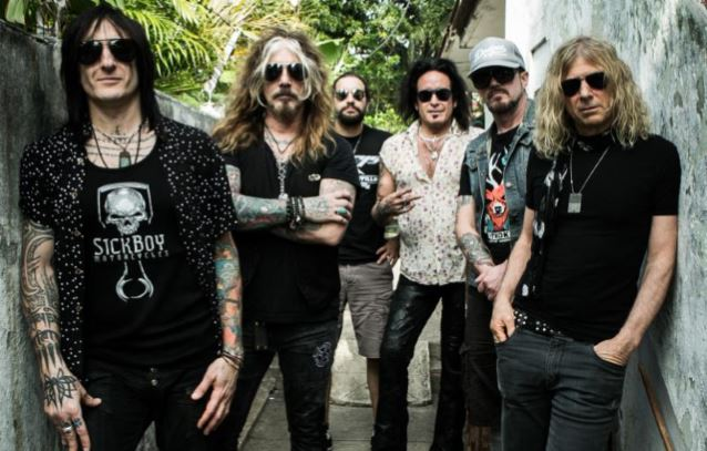 THE DEAD DAISIES 2015
